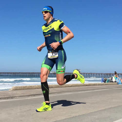 Andy Potts on the run at Ironman 70.3 California (photo by B. Comiskey)